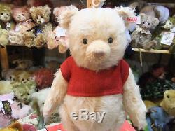 Disney Christopher Robin Winnie The Pooh Ltd No 1169 by Steiff EAN 355424