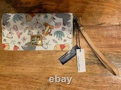 Disney Dooney & Bourke Winnie the Pooh Wallet New With Tag