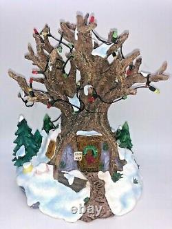 Disney Mickey ToonTown Christmas Village WINNIE THE POOH TREE HOUSE Light-Up