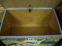 Disney Winnie The Pooh Childs / Kids Furniture Set Toy Box Table & 6 Chairs