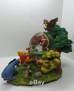 Disney Winnie the Pooh Snowglobe