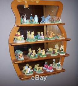 EUC Disney Lenox Winnie the Pooh 18 piece Thimble Collection withMirror Shelf