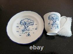 Four (4) Disney Winnie The Pooh Stoneware Place Settings New, Never Used