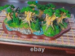 Vintage Glass Cased Danbury Mint 100 Acres Wood Winnie The Pooh Resin Model
