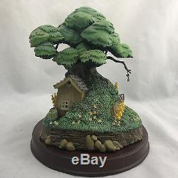 WDCC Disney Classics Winnie the Pooh Bears and Honey Tree House Enchanted Places