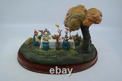 WDCC Winnie the Pooh and the Blustery Day HIP HIP POOH RAY Enchanted Places
