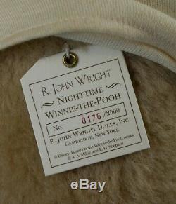 13 R. John Wright Nighttime Winnie L'ourson