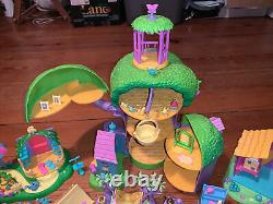 1998-99 Winnie The Pooh Friendly Places Treehouse Playset Collectible Lot & Plus