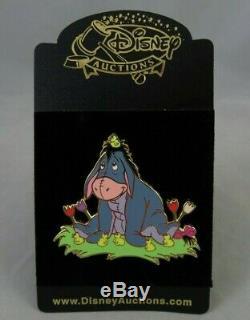 Disney Enchères Pin De Pâques Bourriquet Avec Bébé Poussins / Tulipes Winnie L'ourson