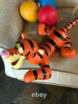 Disney Hanging Tigger Resin Statue Figure Grosse Figue