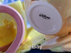 Disney Plateau Set Winnie L'ourson Tigrou Porcinet Bourriquet Fleur Tasse Petite Assiette Nouveau