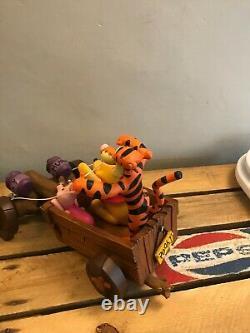 Disney Pooh Tigger - Porcelet Dans L'ornement De Figurine De Statue De Résine De Chariot
