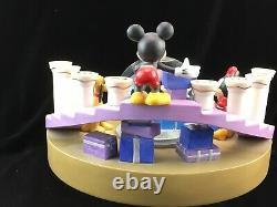 Disney Porcelaine Mickey Mouse Menorah Avec Snow Globe Hanoukka Candle Holder