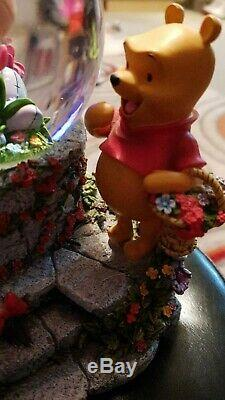 Disney Winnie L'ourson Bourriquet Garden Snow Globe. Extrêmement Rare