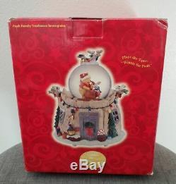 Disney Winnie L'ourson Famille D'hiver Cabane Dans Un Arbre De Noël Musical Snowglobe Globe