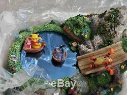Disney Winnie L'ourson Musique Boîte Magique Danser Sur L'étang Figurine Nouveau Dans La Boîte