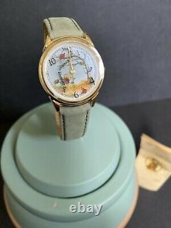 Disney Winnie The Pooh Green Hunny Pot Watch Collectors Club Par Fossil