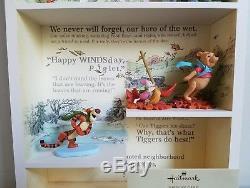 Hallmark Winnie The Pooh Vitrine Avec Tous Les 9 Figurines Incluses Ensemble Complet