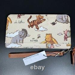 Nwt Disney Dooney & Bourke Winnie The Pooh Wallet In Hand. Navires Aujourd'hui. Disney