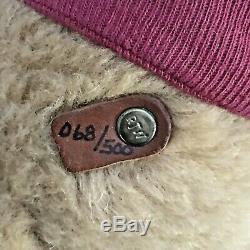 R. John Wright Winnie L'ourson Et Sa Chaise Préférée # 68/500, Signée Par L'artiste