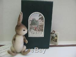 R. John Wright Winnie - L'ourson Série De Poche Rabbit Entièrement Articulé