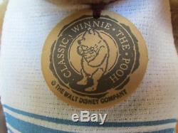 R Poupée Ourson John Wright Disney Winnie L'ourson Avec Pot En Plastique Et Boîte Originale