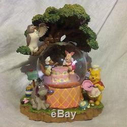 Rare Disney Winnie L'ourson Fête D'anniversaire Souffleuse Musicale Snowglobes-mib