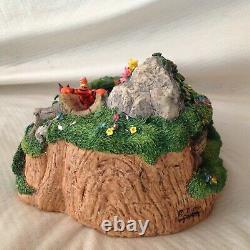 Rare Disney Winnie The Pooh Box Musicale Spins Figures Statue Figurines-mib