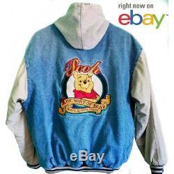 Vintage Disney Store Winnie L'ourson Denim Varsity Jacket Avec Capuchon Taille Adulte M