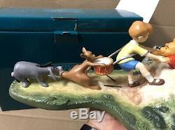 Wdcc Classiques Walt Disney Winnie Le Pooh Et Le Miel Arbre Le Stuck À Mib Coa