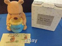 Winnie L'ourson Et Le Pot De Miel Avec La Montre Cachée